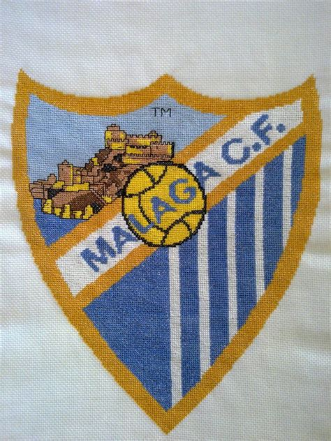 imagen en punto en cruz el escudo de emelec escudo malaga cf manualidades