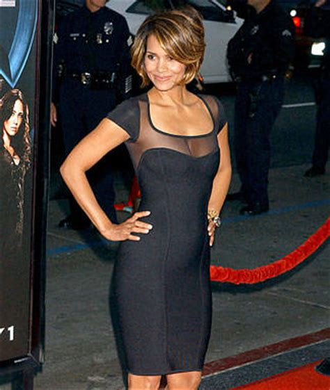 Lg Hilarry Reddress Wanitadress Fashion carpet buzz halle berry