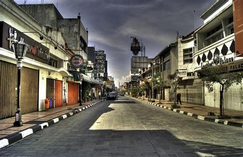 background jalan kota jalan jalan di jalan braga 1001malam
