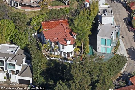 nick jonas house nick jonas sells hollywood hills mansion for 3 4m making 200k profit daily mail online
