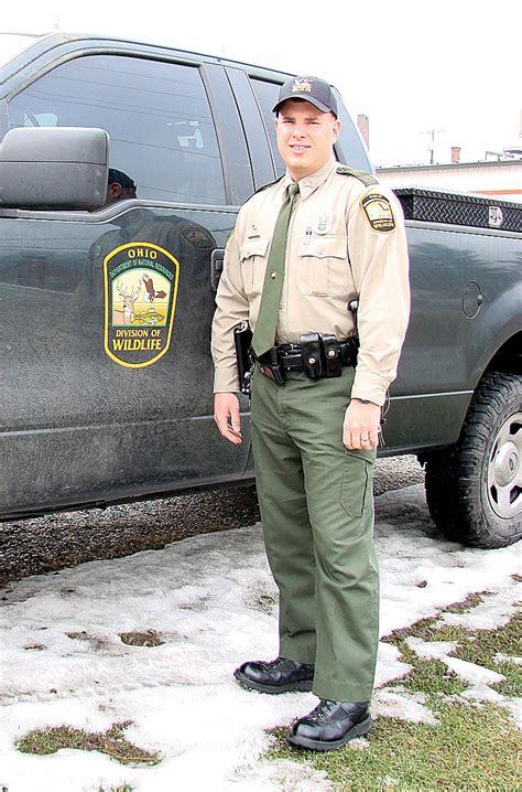 wildlife officer jpg 320466 bytes