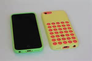 iphone 5c case review apple s offering has some holes in