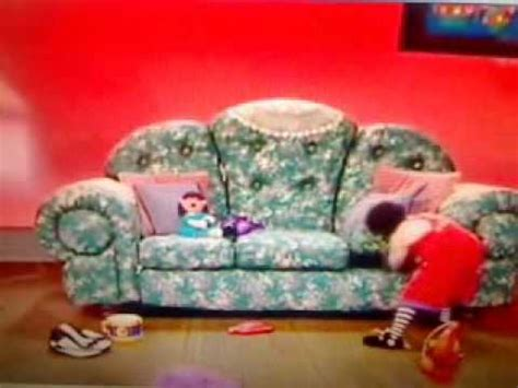 big comfy couch ten second tidy big comfy couch quot donut let it get you down quot 10 second