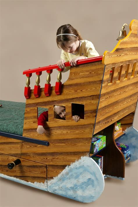 pirate ship beds flights  fantasy