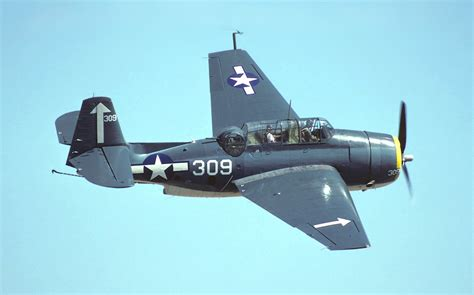 a small motor boat travels 10 mph tbm avenger cactus air force