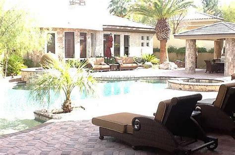 floyd mayweather puts 3 35 million las vegas mansion on