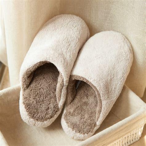 Bathroom Slippers by Bathroom Slippers