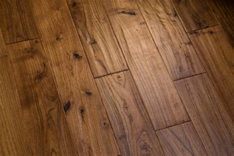 the character and durability of reclaimed wood flooring