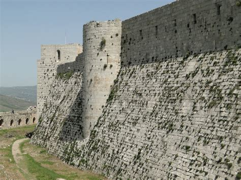 krak des chevaliers top 10 medieval castles that you must visit and see for