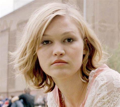 the best stiles hair in washington 79 best julia stiles images on pinterest julia stiles
