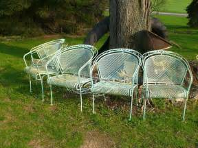 Vintage Patio Chairs Vintage Mid Century Woodard 4 Expanded Metal Patio Chairs