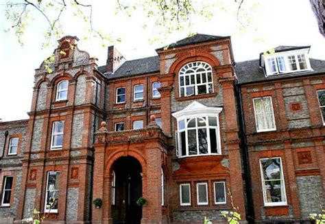 swiss cottage hostel hostel of the week palmers lodge swiss cottage
