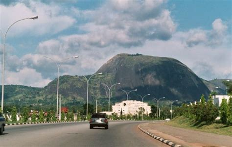 Aso Rock Presidential Villa, Abuja: History and Pictures