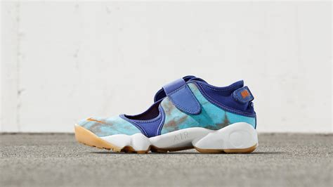 nike air rift premium the wmns nike air rift premium lands in two colorways