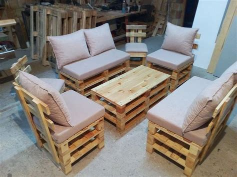 wooden pallet sofa best 25 pallet seating ideas on pinterest pallet couch