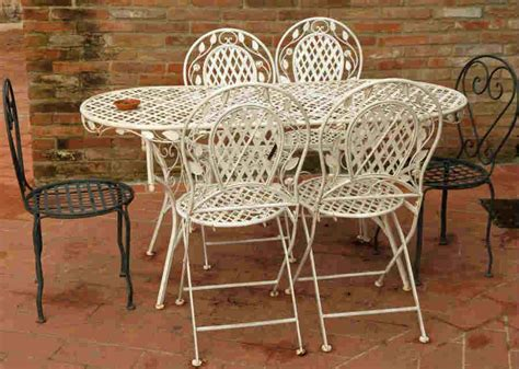 Painting Patio Furniture by How To Paint Metal Patio Furniture Diy Painting Tips