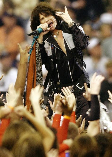 Bowl Halftime Wardrobe by Nfl Wants Bowl Halftime Performers To Pay Them