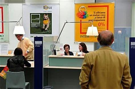 banca intesa sanpaolo genova dalle 8 alle 20 sportelli sempre aperti contro la crisi