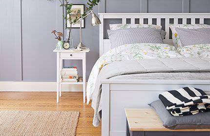 futon im schlafzimmer hemnes ablagetisch in wei 223 im schlafzimmer dekoideen
