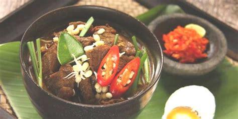 resep rawon daging  ayam spesial panganan berkuah