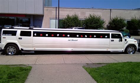 LIMOUSINE CAR   FREE WALLPAPERS