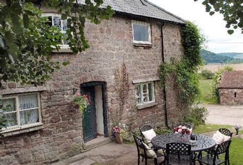 peregrine kitchen picture of mainoaks cottages ross on