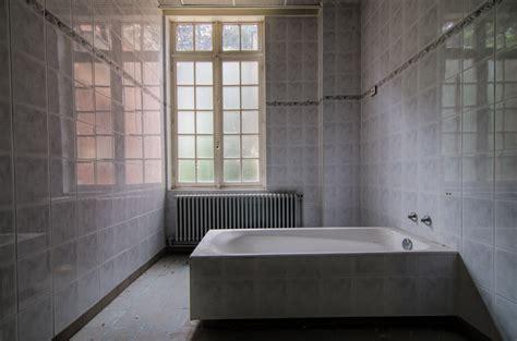 bathroom chronicles abandoned bathroom chronicles urbex darbians photography