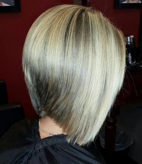 bobs highlights and ladies hairstyles on pinterest graduated bob haircuts graduated bob and blonde
