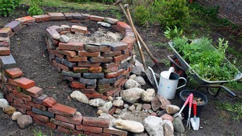 Steine F R Kr Uterspirale 256 by Mauer Aus Pflastersteinen Granit Pflastersteinen Und
