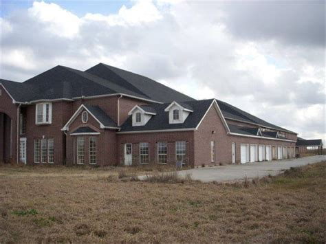 biggest house in texas giant 46 bedroom house for sale in texas has 26 bathrooms thugify