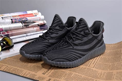 adidas yeezy running 650 chaussures bandes noires chaussures adidas homme