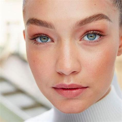 Get Livelys Fresh Faced Look by Stuff To