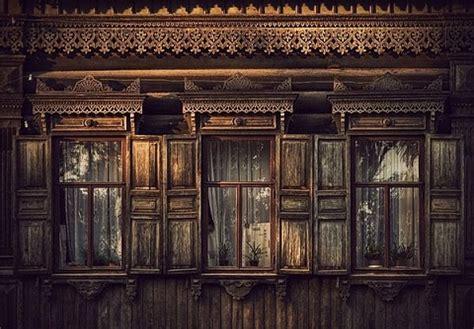 como pintar ventanas de madera