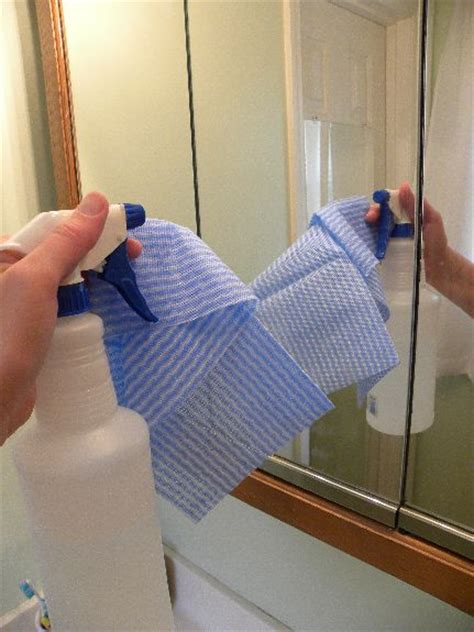 how to clean mirrors in bathroom clean mirror pictures to pin on pinsdaddy