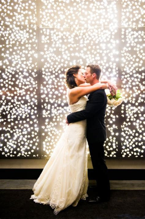 Wedding Décor: Twinkle Lights   WeddingElation