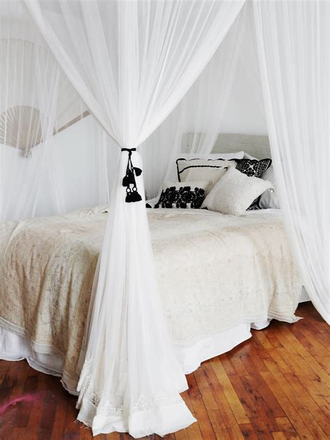 Lace Bed Canopy Geo Lace Four Point Canopy At Free Clothing Boutique