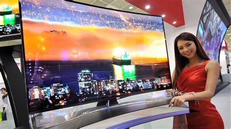Tv Samsung Layar Cekung lg and samsung bring curved oled tvs to the u s