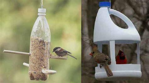 Tempat Makan Burung Lovebird membuat tempat makan burung dari botol plastik bekas