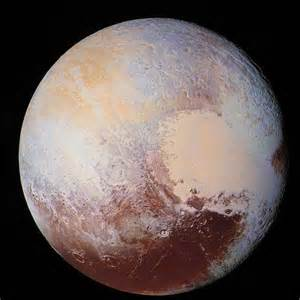 what color is the planet pluto new horizons