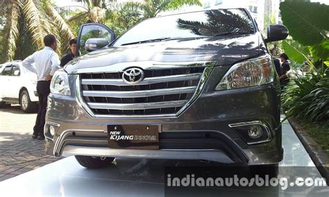 Gril Innova 2008 toyota innova facelift front grille indian autos