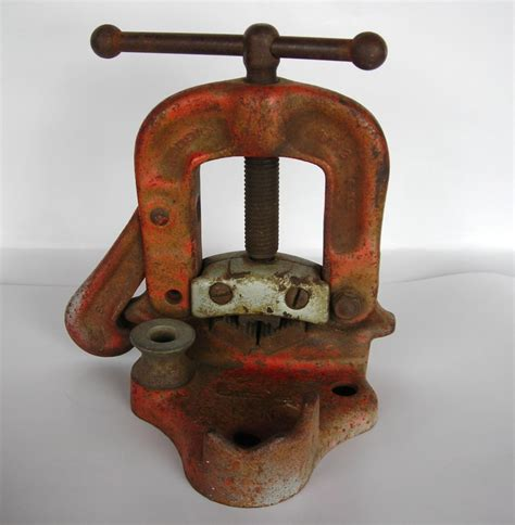 bench pipe vise ridgid no 21 bench pipe vise 1 8 quot to 2 quot tool vice 75 00 picclick