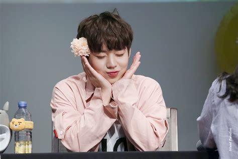 Sweater Produce 101 Season 2 Baby Pink wanna one 박지훈 park jihoon wanna one produce 101 season 2 produce 101 and kpop