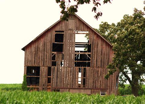 Decorative Window Film Home Depot by Old Rustic Barn Rustic Barns Barn Doors Pole Plans Kits