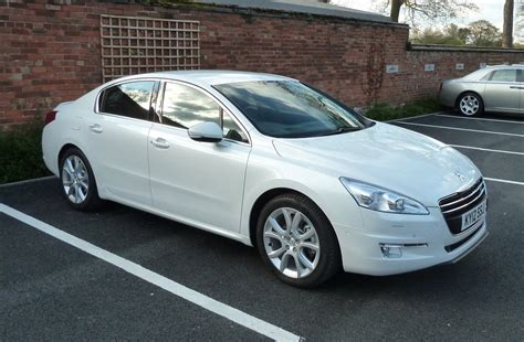 peugeot saloon cars peugeot 508 saloon review 2011 parkers