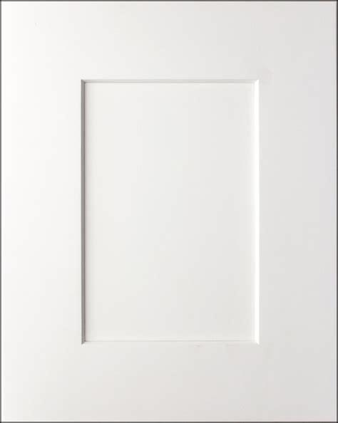 white shaker kitchen cabinet doors rta deluxe white shaker cabinets domaincabinetsdirect com