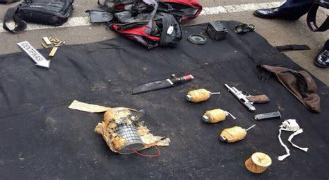Tas Selempang Polisi Thamrin ledakan dan baku tembak di sarinah foto foto barang bukti
