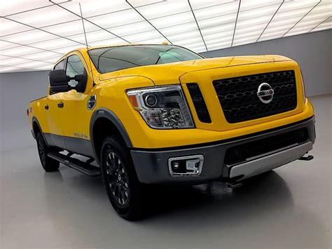 nissan titan turbo 2016 nissan titan xd cummins turbo diesel tech review