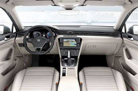 2015 Volkswagen Passat Euro Spec Interior Photo 10