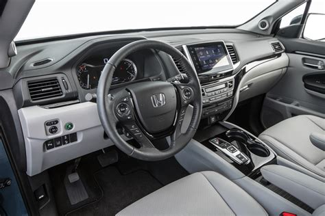 Honda Pilot Inside Honda Pilot 2016 Motor Trend Suv Of The Year Finalist