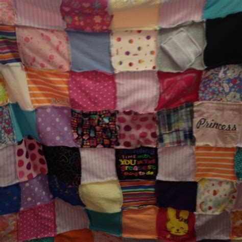 Turn Baby Clothes Into Quilt by 17 Images About Baby Clothes Turned Into Cool Stuff On